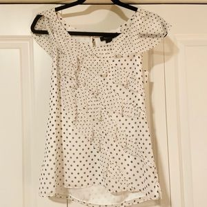WHBM sleeveless ruffle top white w/ black dots